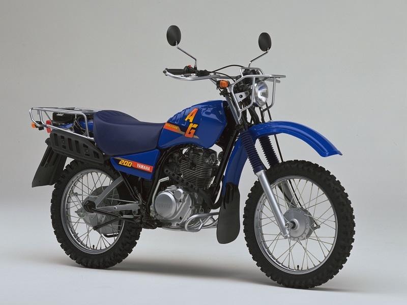 YAMAHA - AG200